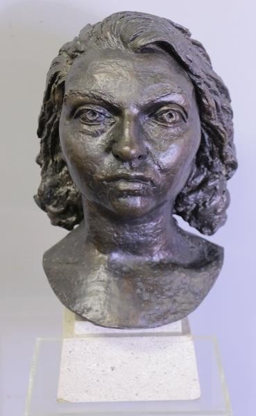 "EPSTEIN, Jacob. Bronze ""Germaine Bras""."
