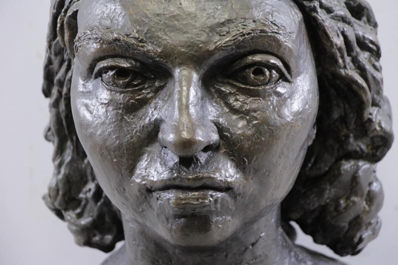 "EPSTEIN, Jacob. Bronze ""Germaine Bras"". - 4"