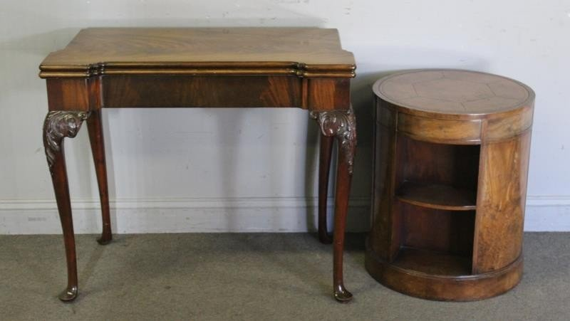 Mahogany Flip Top Table with a Leathertop Drum