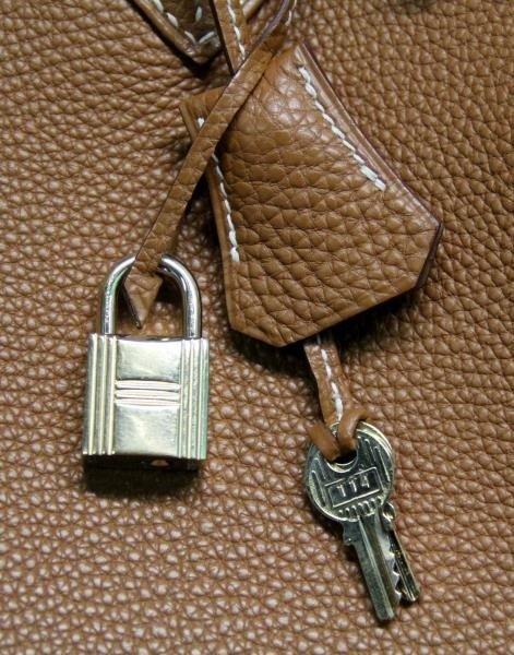 HERMES Gold Taurillon 35cm Birkin Bag. - 8