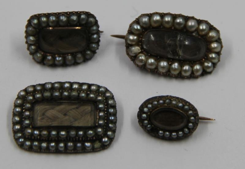 JEWELRY. Grouping of Victorian Mourning Jewelry. - 5
