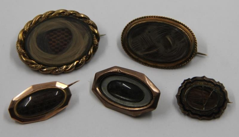 JEWELRY. Grouping of Victorian Mourning Jewelry. - 7