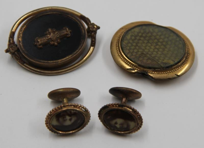 JEWELRY. Grouping of Victorian Mourning Jewelry. - 9