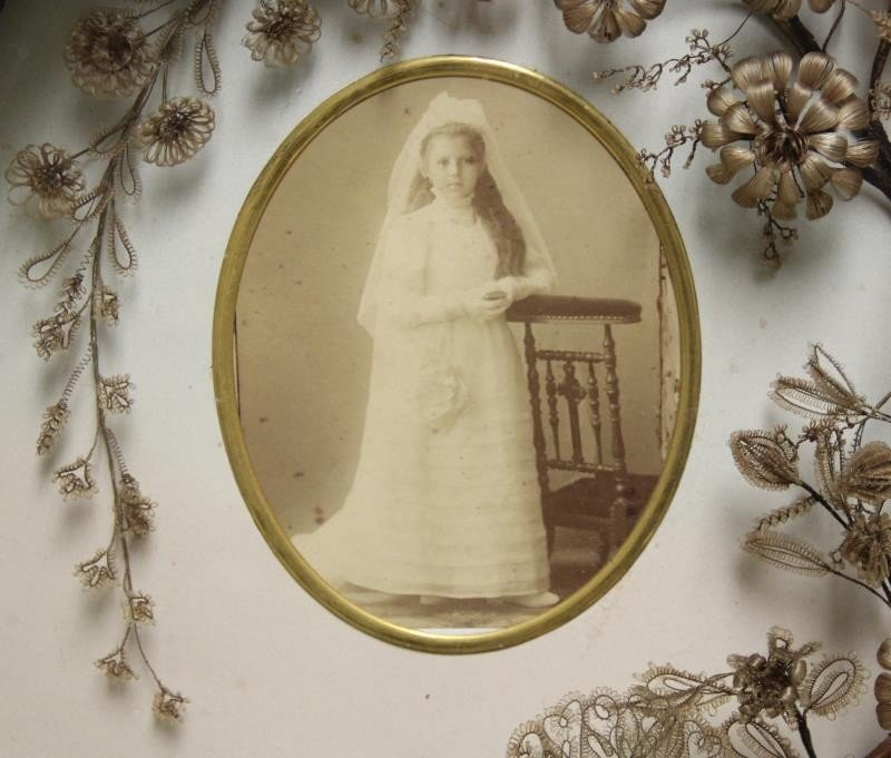 Framed Victorian Mourning Hair Wreath and Bouquet. - 2