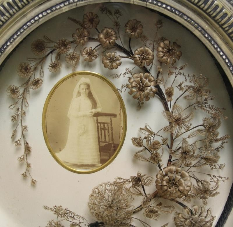 Framed Victorian Mourning Hair Wreath and Bouquet. - 3