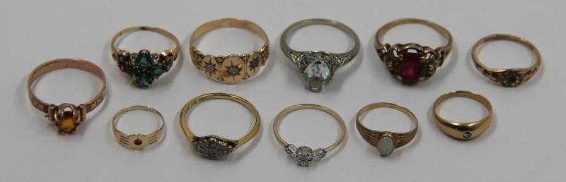 JEWELRY. Assorted Grouping of Gold Rings.