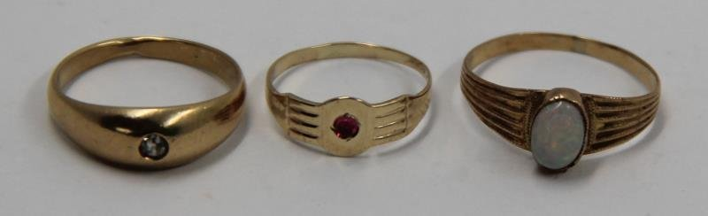 JEWELRY. Assorted Grouping of Gold Rings. - 3