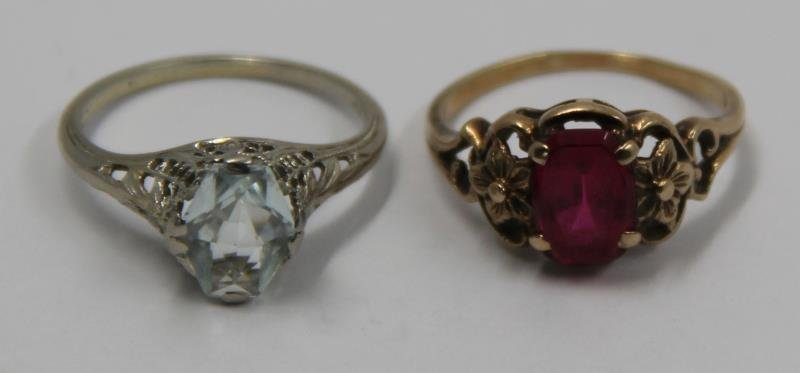 JEWELRY. Assorted Grouping of Gold Rings. - 5