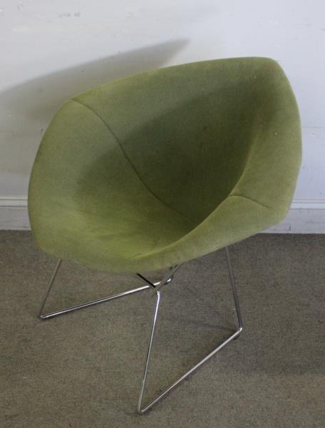 Pair of Harry Bertoia; Knoll Diamond Chairs. - 3