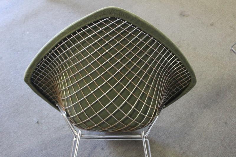 Pair of Harry Bertoia; Knoll Diamond Chairs. - 7