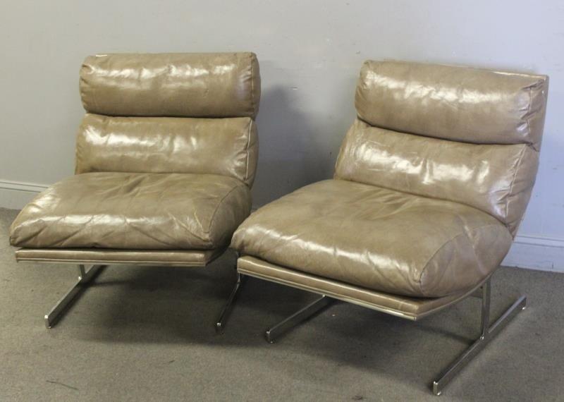 Pair of Kipp Stewart Leather Lounge Chairs. - 2