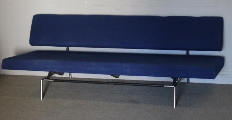 Modern Martin Visser Convertible Sofa. - 3