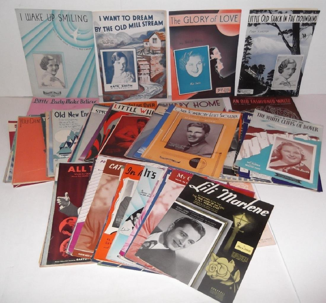 34 PIECES SHEET MUSIC LOT SINATRA BENNET  SMITH