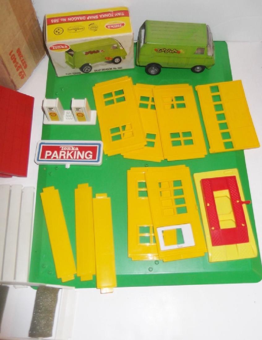 5 piece vintage toy lot - 7