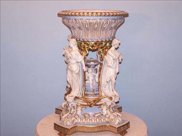 15: Large blue & white porcelain jardinière with figure
