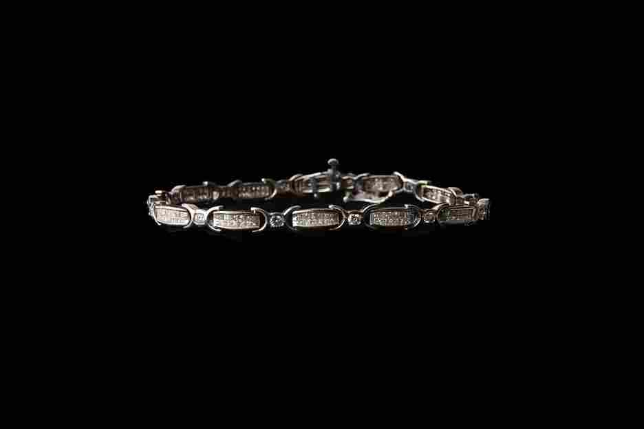14K Gold Tennis Bracelet with 1.77 CT Diamonds