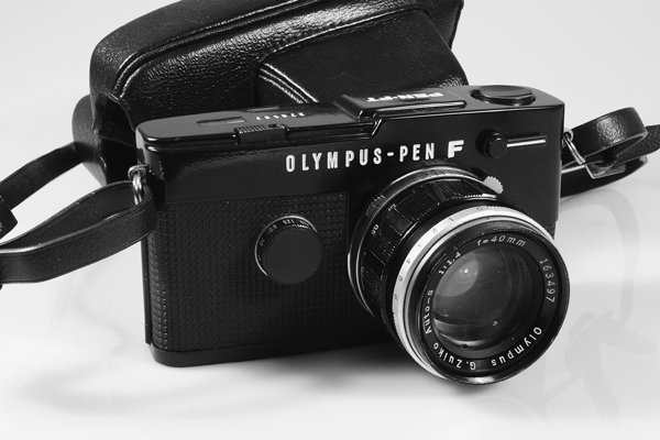 13: Olympus Pen-FT Black