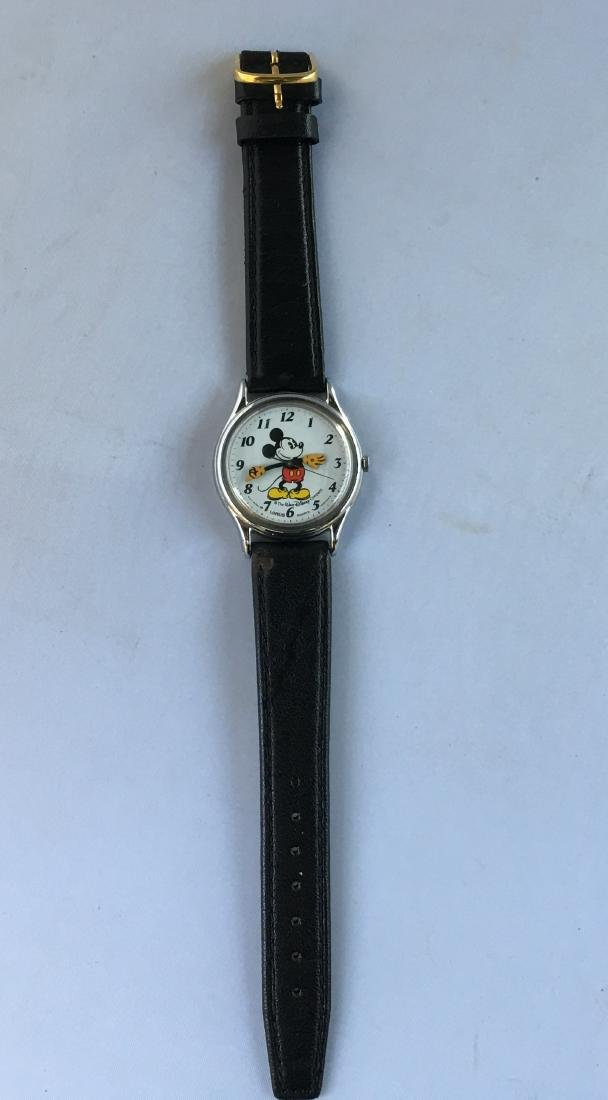 Ladies Mickey Mouse Quartz Watch W Leather Band