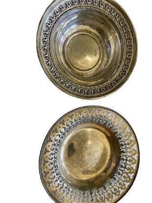 Pair of Antique Sterling Silver Plates - Weight 156.5