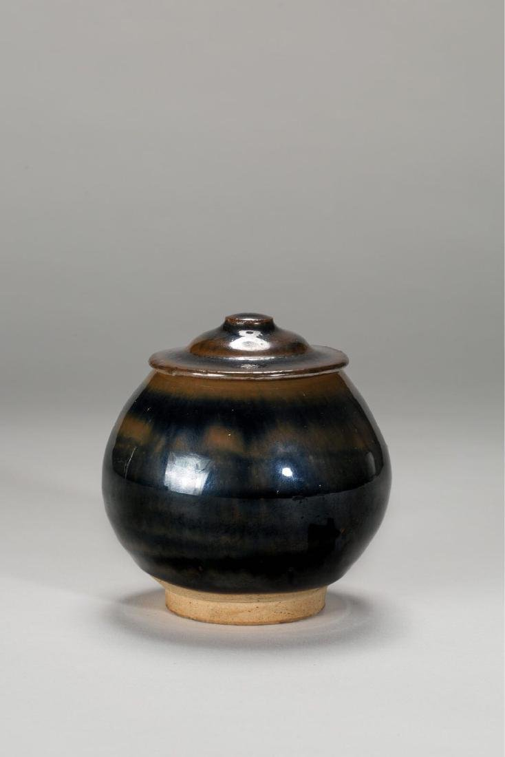 A CIZHOU JAR WITH LID JIN DYNASTY(907-1125)