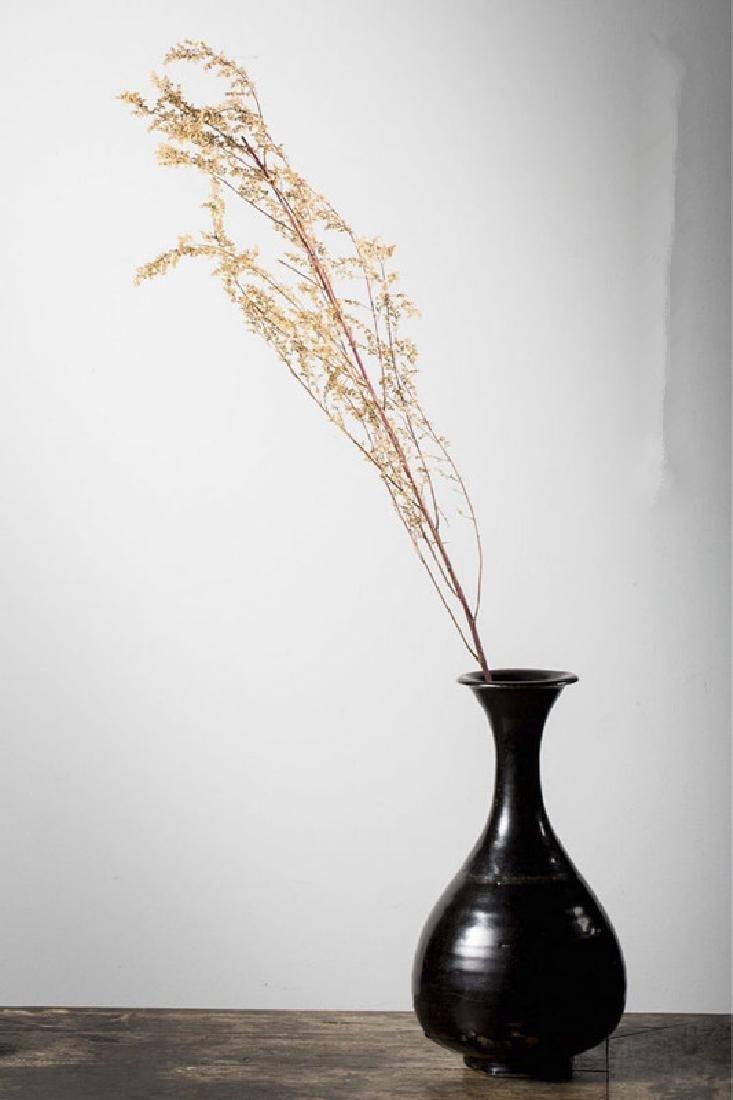 A BLACK-GLAZED YUHUCHUN PING SHANXI YAO LIAO