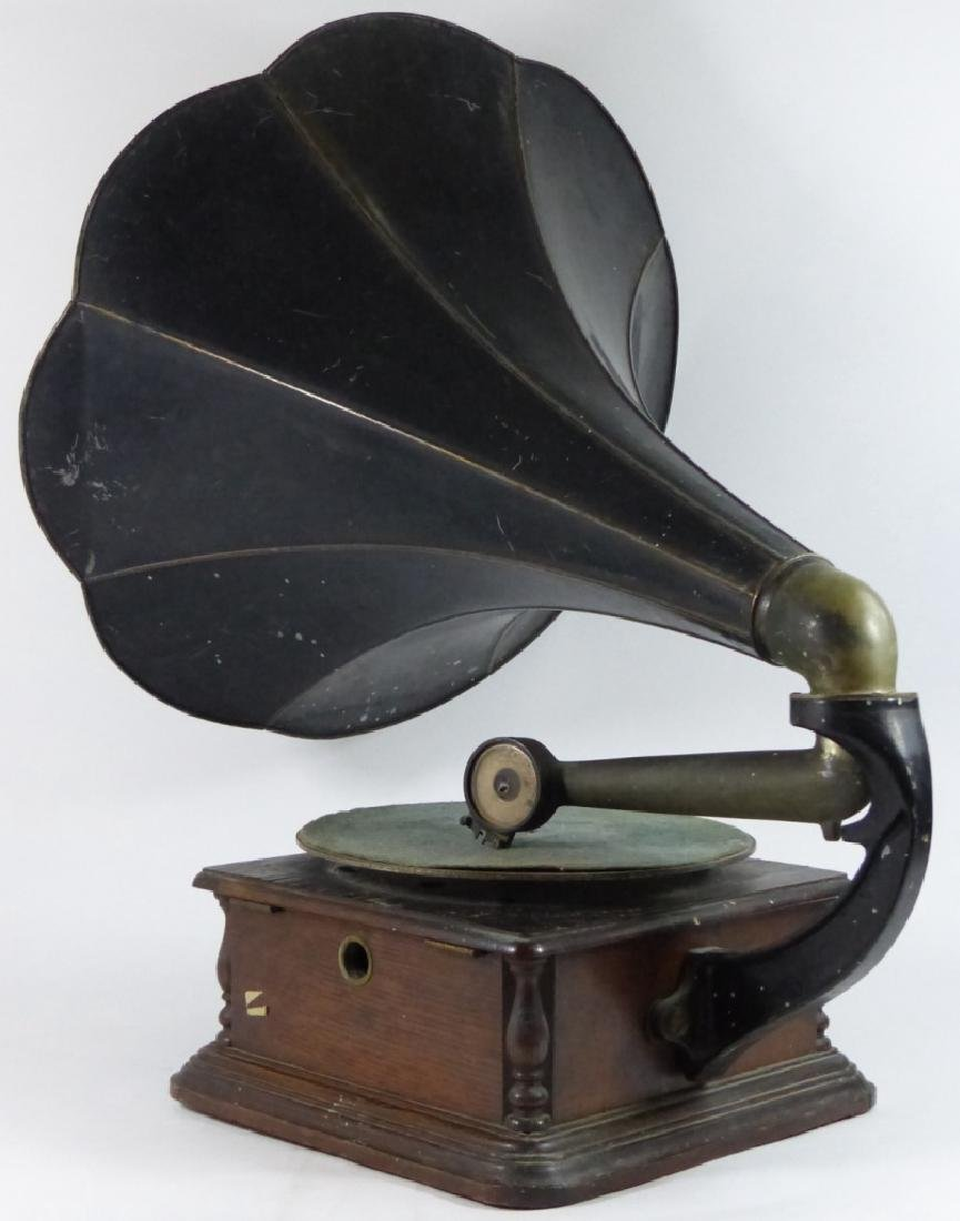 ANTIQUE COLUMBIA DISC GRAPHOPHONE - 4