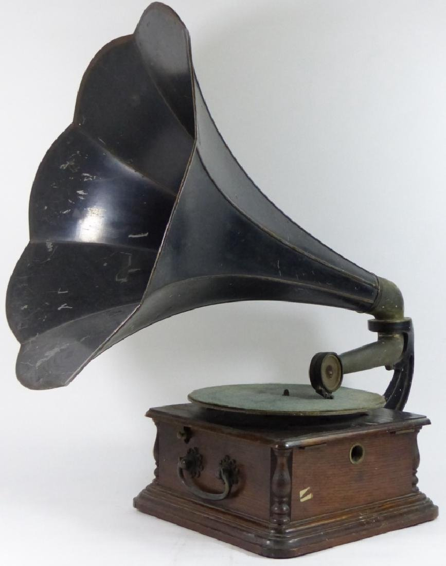 ANTIQUE COLUMBIA DISC GRAPHOPHONE - 6
