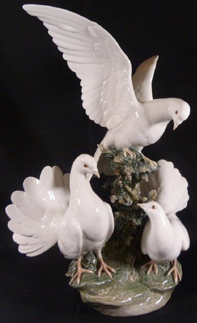 """LARGE RETIRED LLADRO """"GROUP OF DOVES"""" SCULPTURE - 8"""