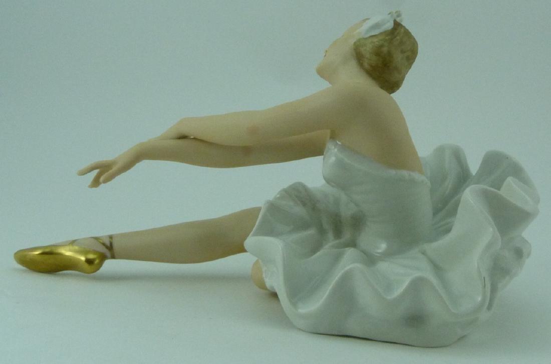 WALLENDORF PORCELAIN DANCER FIGURINE - 5