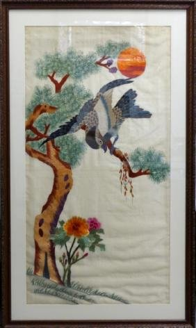VINTAGE CHINESE EMBROIDERY ON SILK OF BIRD IN TREE