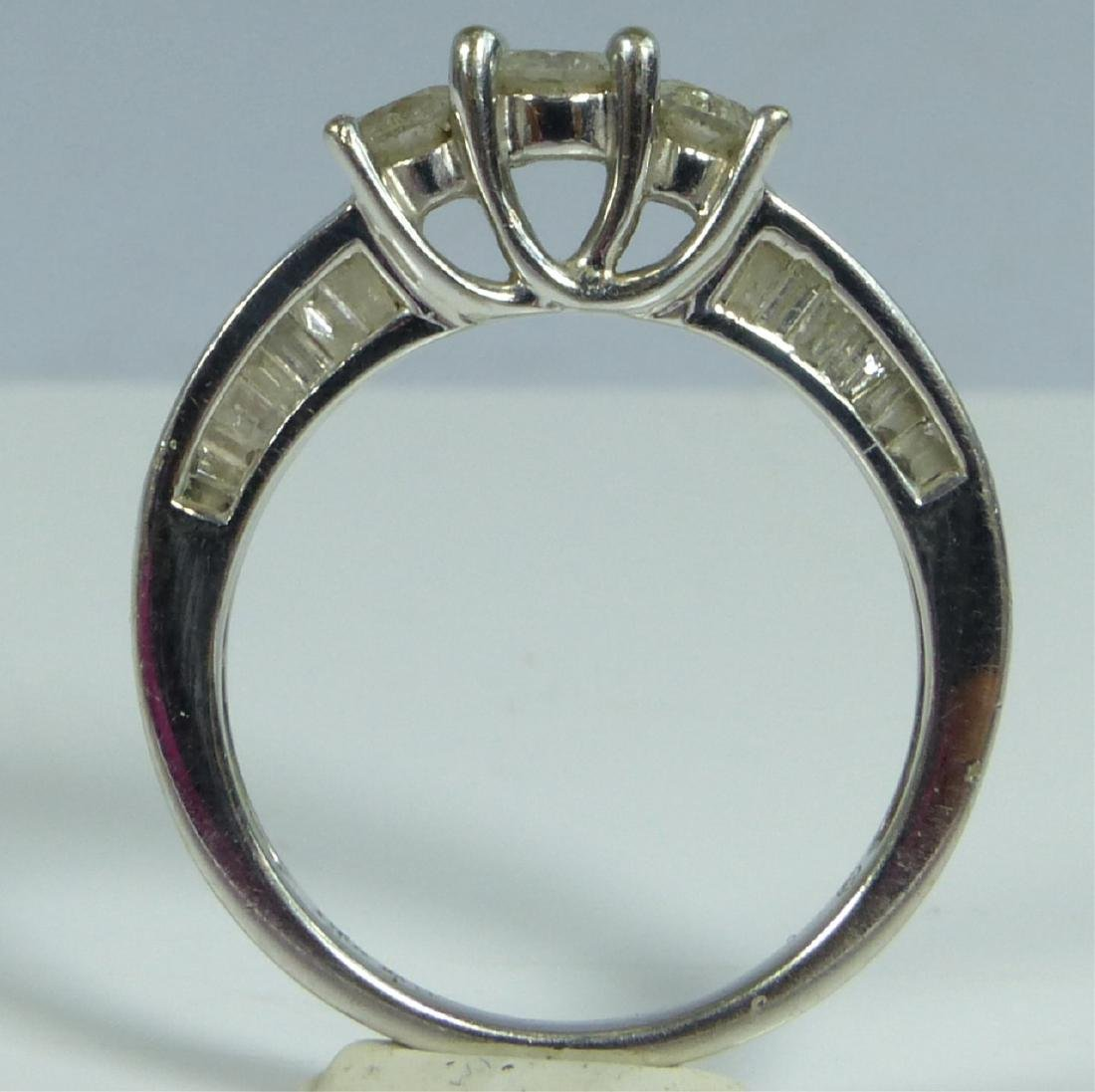 10kt WHITE GOLD & DIAMOND RING 1CTW - 5