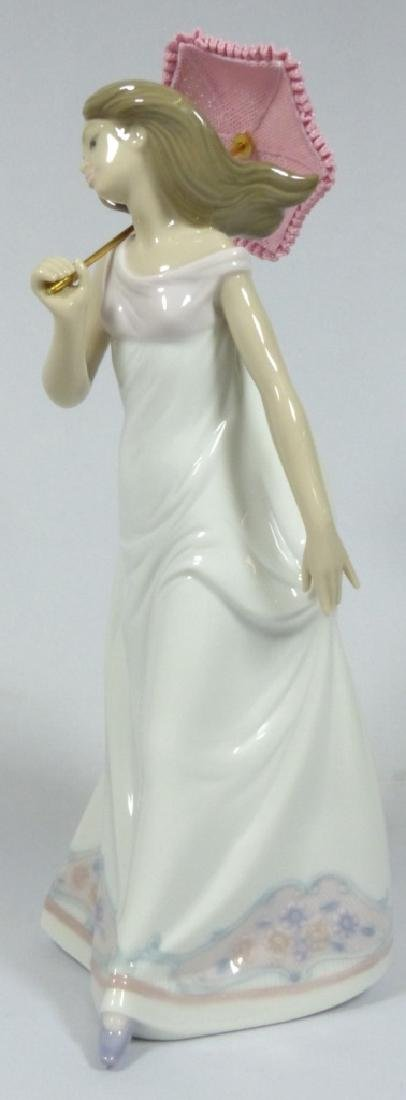LLADRO 'AFTERNOON PROMENADE' 7636 FIGURINE w BOX - 2