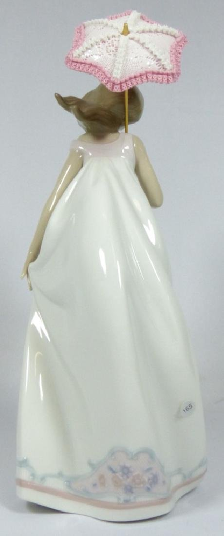 LLADRO 'AFTERNOON PROMENADE' 7636 FIGURINE w BOX - 4
