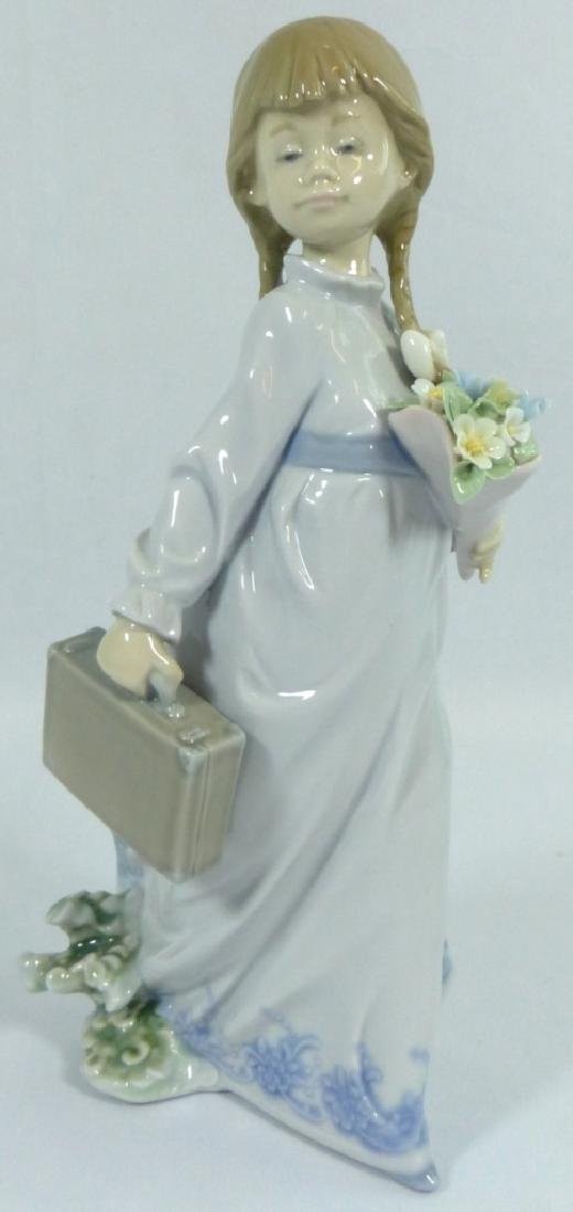 LLADRO 'SCHOOL DAYS' 7604 PORCELAIN FIGURINE