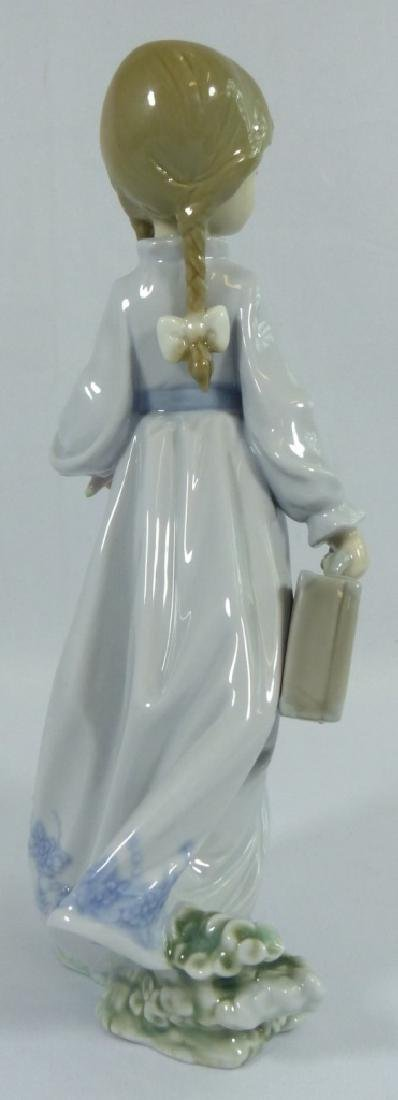 LLADRO 'SCHOOL DAYS' 7604 PORCELAIN FIGURINE - 3