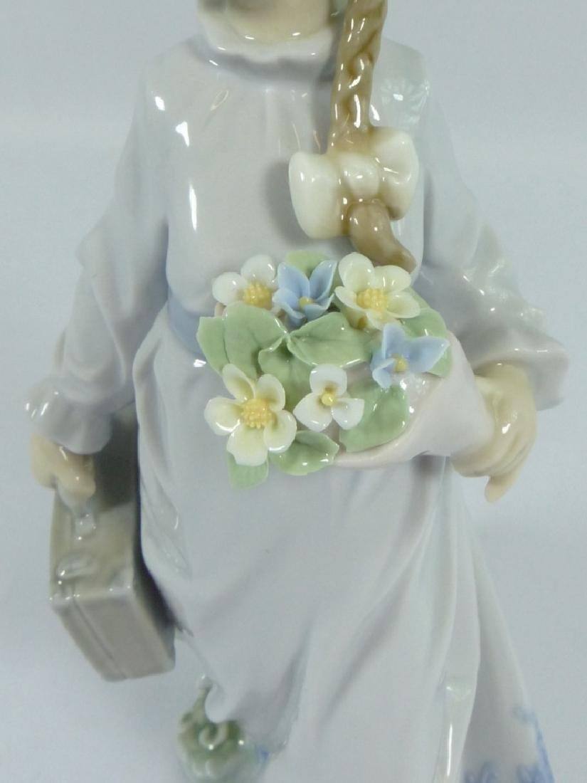 LLADRO 'SCHOOL DAYS' 7604 PORCELAIN FIGURINE - 6