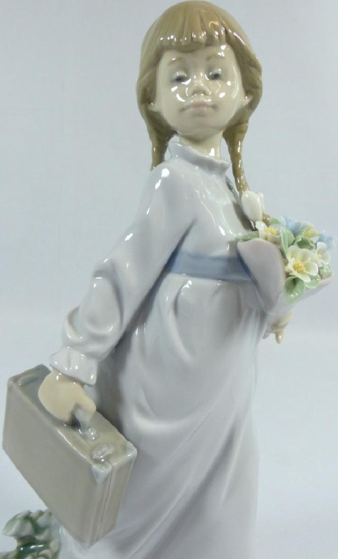LLADRO 'SCHOOL DAYS' 7604 PORCELAIN FIGURINE - 8