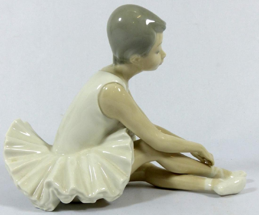 2pc LLADRO & NAO PORCELAIN FIGURINES - 10