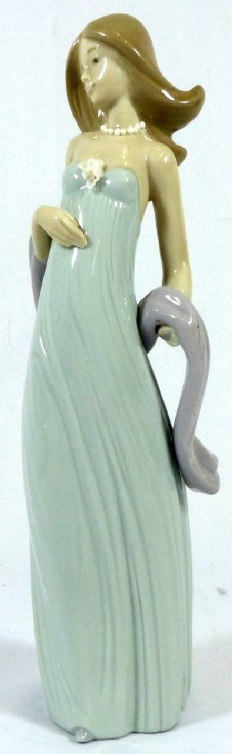 2pc LLADRO & NAO PORCELAIN FIGURINES - 2