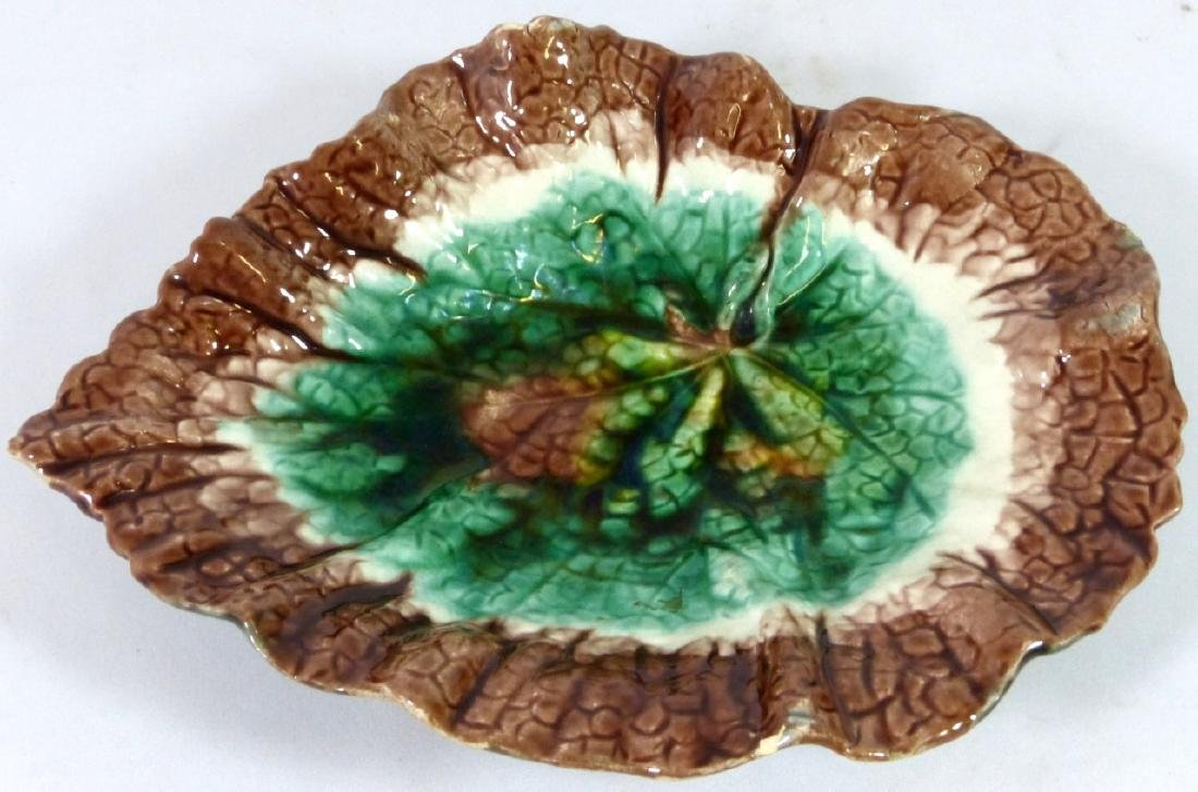 4pc ETRUSCAN MAJOLICA LEAF FORM PLATES - 5