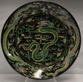 CHINESE BLACK GROUND FAMILLE VERTE CHARGER
