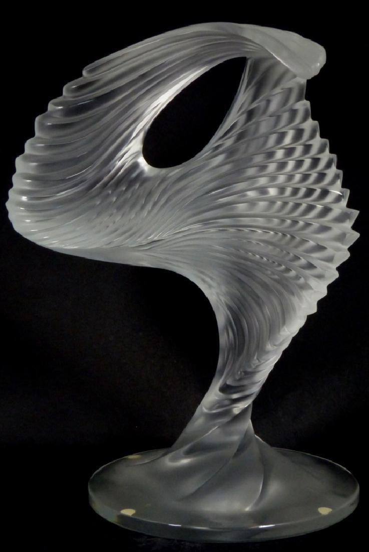 LALIQUE FROSTED ART GLASS MOYEN MODELE TROPHY