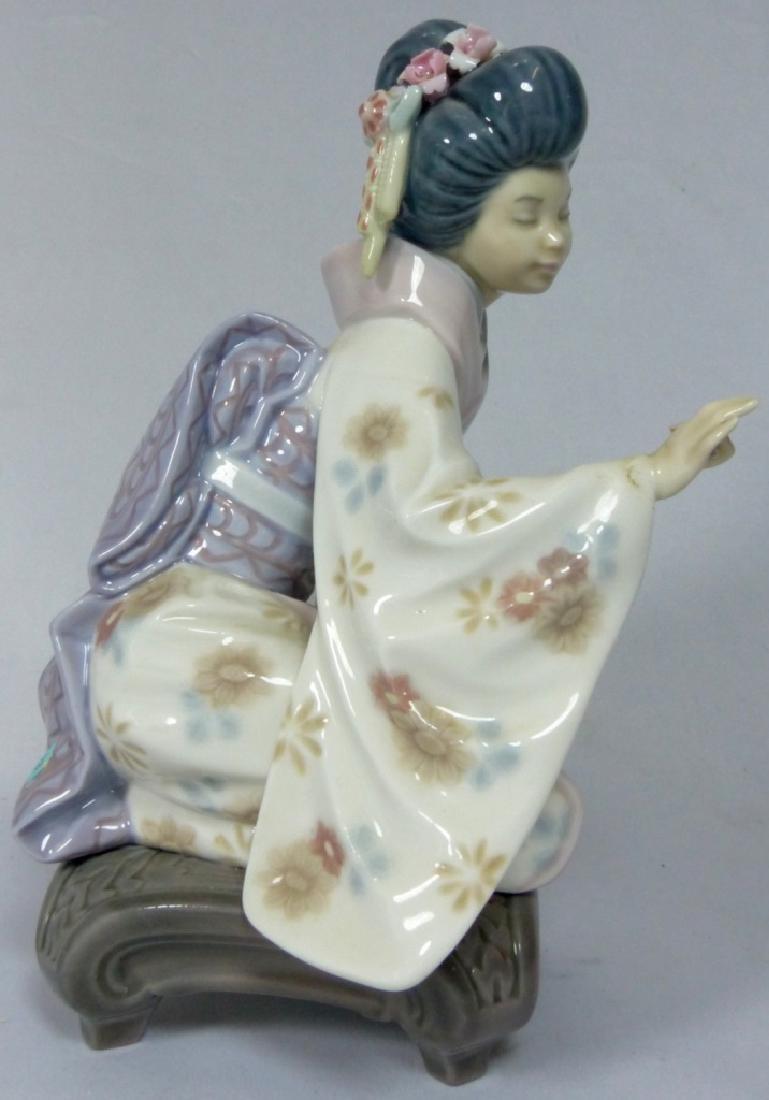 LLADRO 'KIYOKO' 1450 PORCELAIN FIGURINE w BOX - 2
