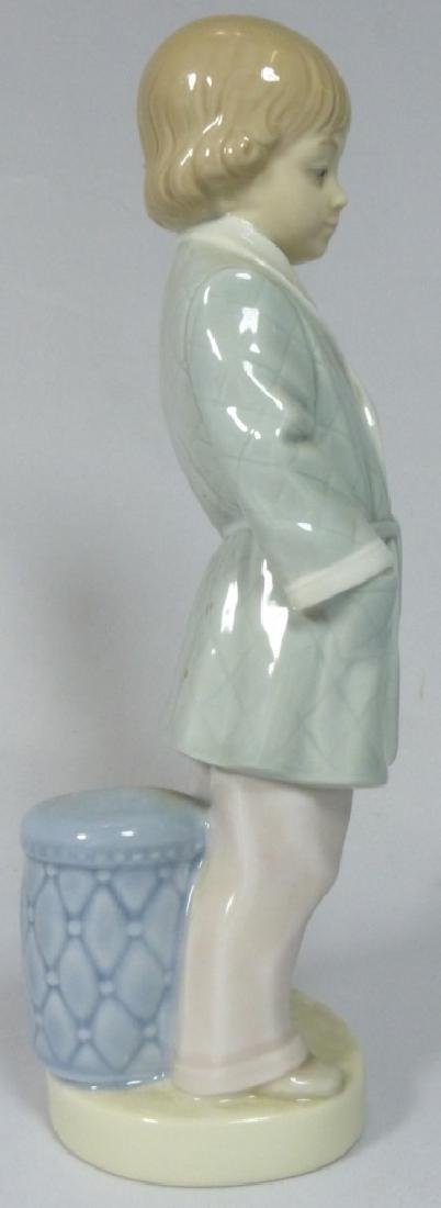 LLADRO 'BOY w SMOKING JACKET' 4900 FIGURINE w BOX - 2