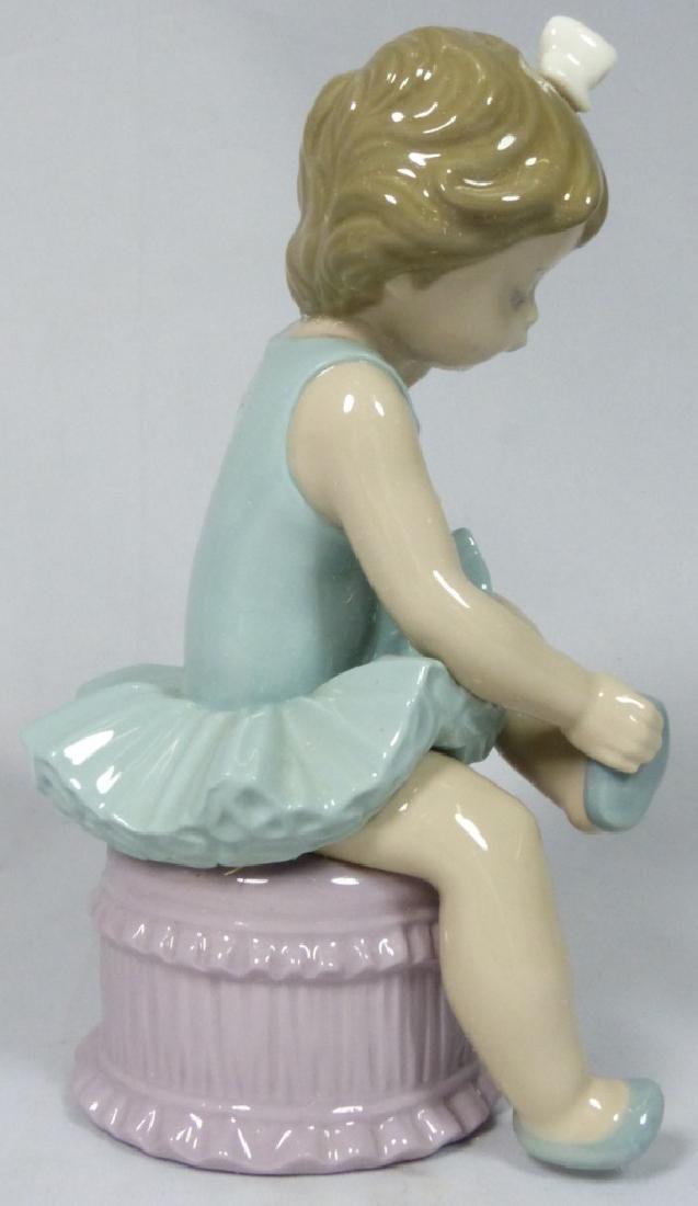 LLADRO 'BALLET GIRL' 5107 PORCELAIN FIGURINE w BOX - 2