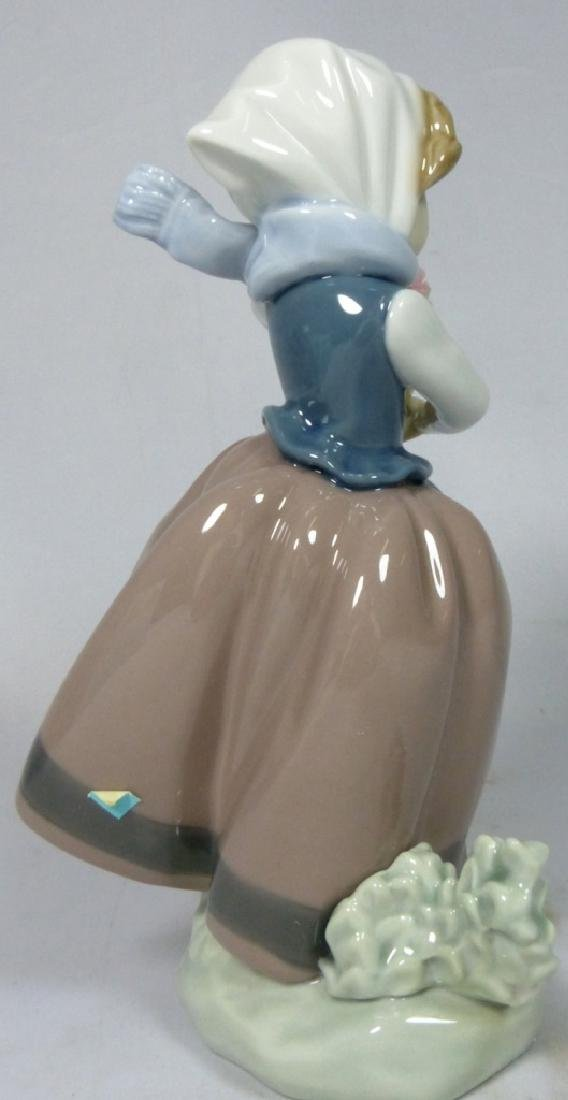 LLADRO 'SPRING IS HERE' 5223 FIGURINE w BOX - 2