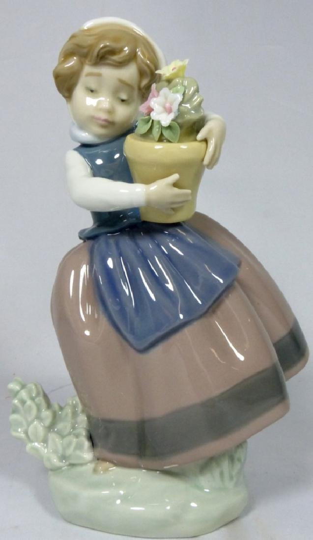 LLADRO 'SPRING IS HERE' 5223 FIGURINE w BOX - 5