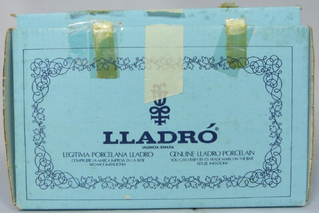LLADRO 'SPRING IS HERE' 5223 FIGURINE w BOX - 7