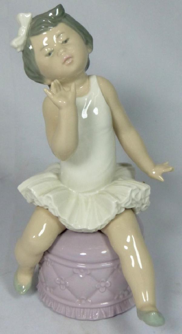 LLADRO 'BALLET GIRL' 5106 PORCELAIN FIGURINE w BOX
