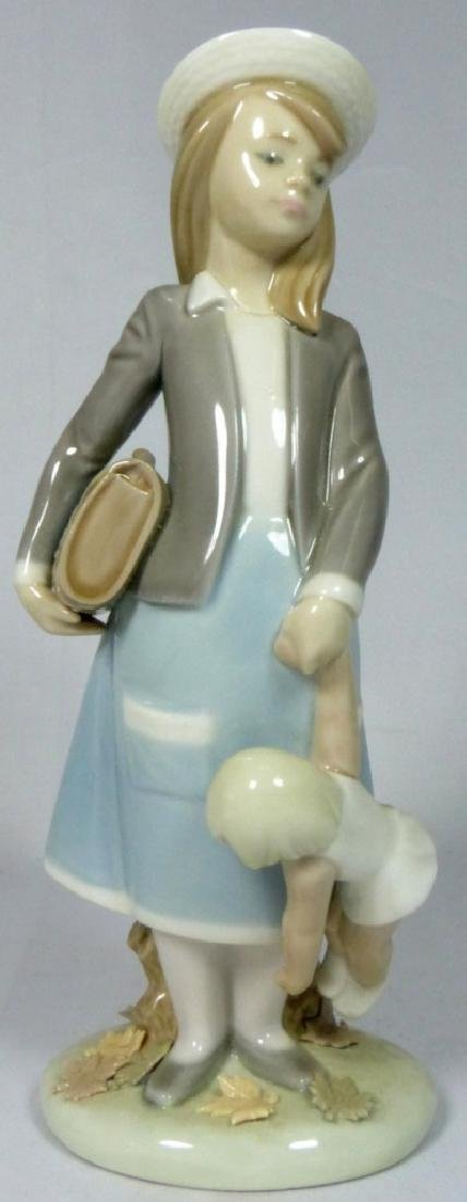 LLADRO 'AUTUMN GIRL' 5218 PORCELAIN FIGURINE w BOX